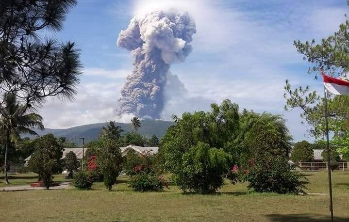 October 04 , 2018. EN.  La Réunion : Piton de la Fournaise , Indonesia : Anak Krakatau , Indonesia : Soputan , Papua New Guinea : Manam , Indonesia : Gamalama .