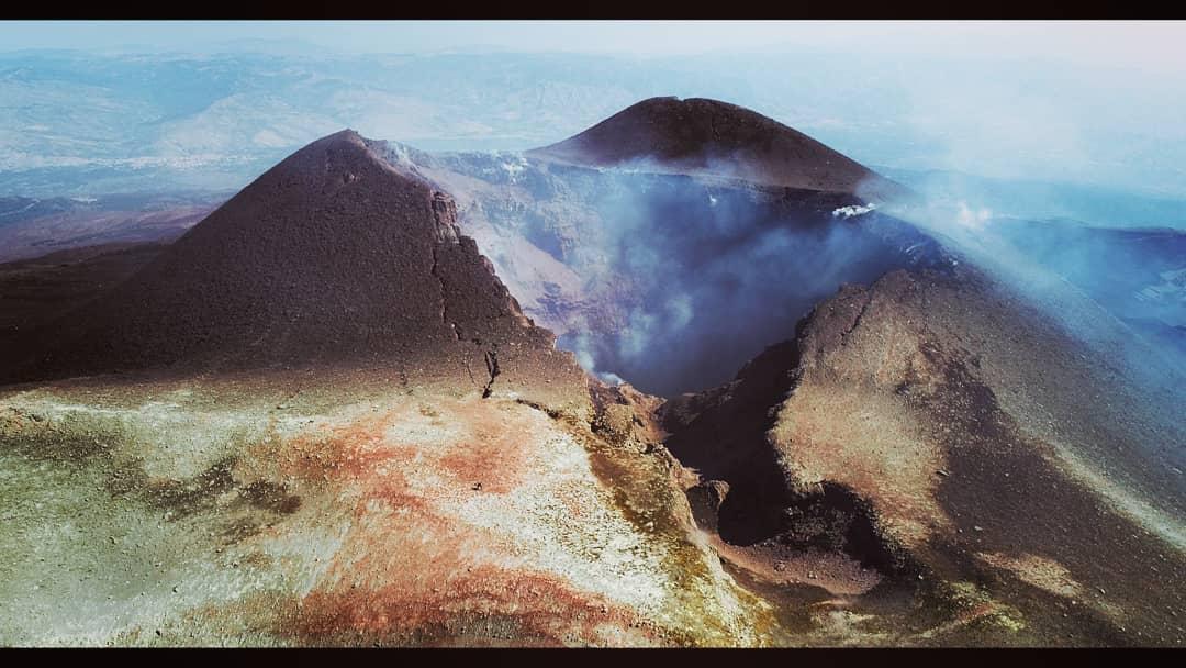11 Octobre 2018.  FR.  Colombie : Chiles / Cerro Negro , Italie / Sicile : Etna , La Réunion : Piton de la Fournaise , Indonésie : Gamalama .
