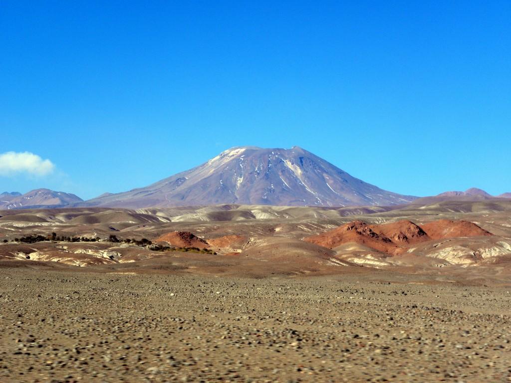 07 Octobre 2018. FR. Chili : Lascar , la Réunion : Piton de la Fournaise , Guatemala : Fuego , Indonésie : Anak Krakatau , Equateur : Reventador .