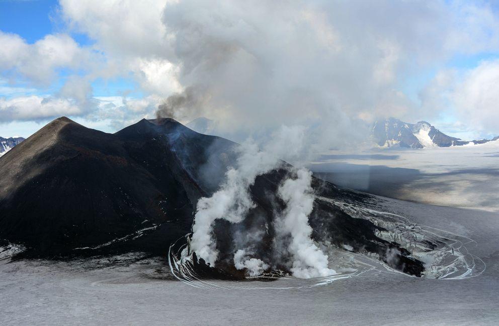 November 10 , 2018.  EN.   Alaska : Veniaminof , Colombia : Cumbal , Indonesia : Anak Krakatau , Costa Rica : Poas / Rincon de la Vieja / Turrialba .