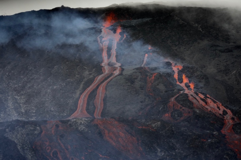 February 18 , 2019. EN.  La Réunion , Piton de la Fournaise , Update 10h45.