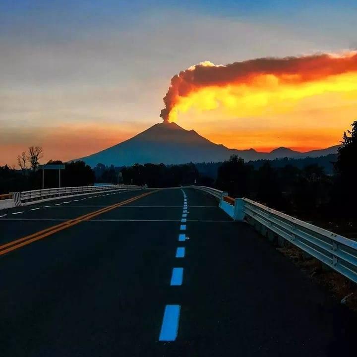 February 26 , 2019. EN. La Réunion : Piton de la Fournaise , Peru : Sabancaya , Alaska : Cleveland , Mexico : Popocatepetl .