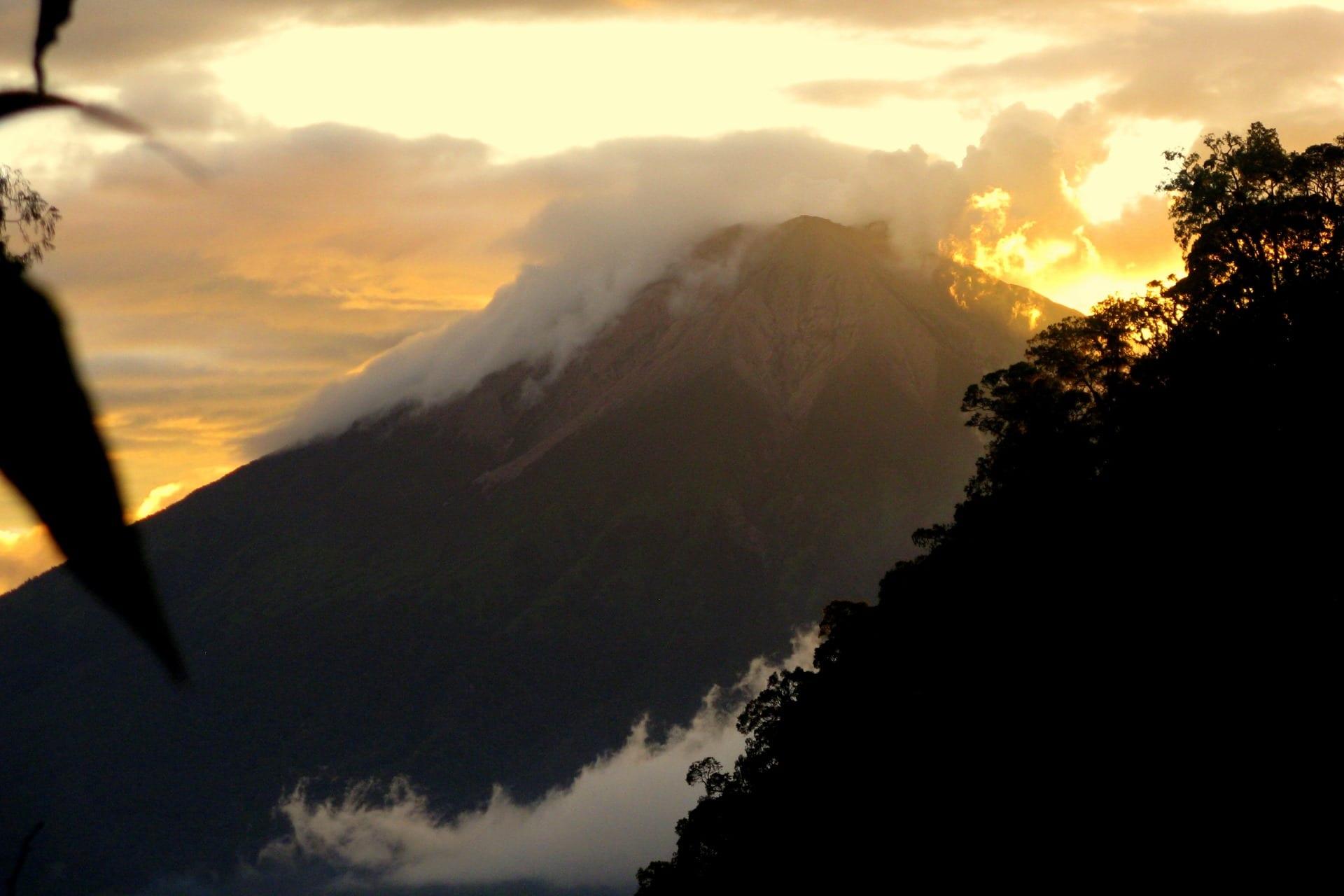 05 Janvier 2019. FR . Alaska : Shishaldin , Costa Rica : Poas , Philippines : Taal , Indonésie : Kerinci .