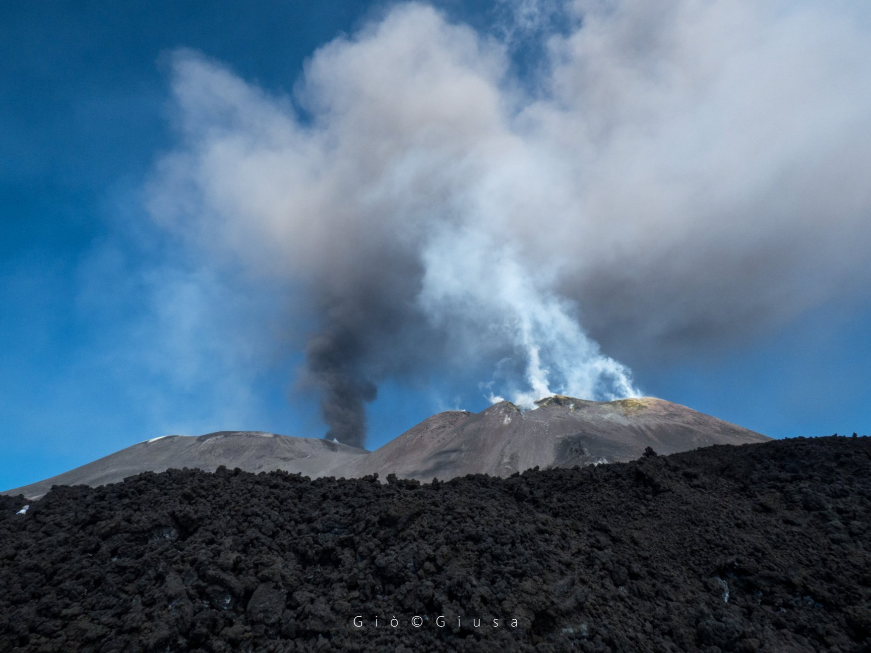 October 02 , 2019. EN. Italy / Sicily : Etna , Chile : Copahue , Peru : Sabancaya , La Reunion : Piton de la Fournaise .