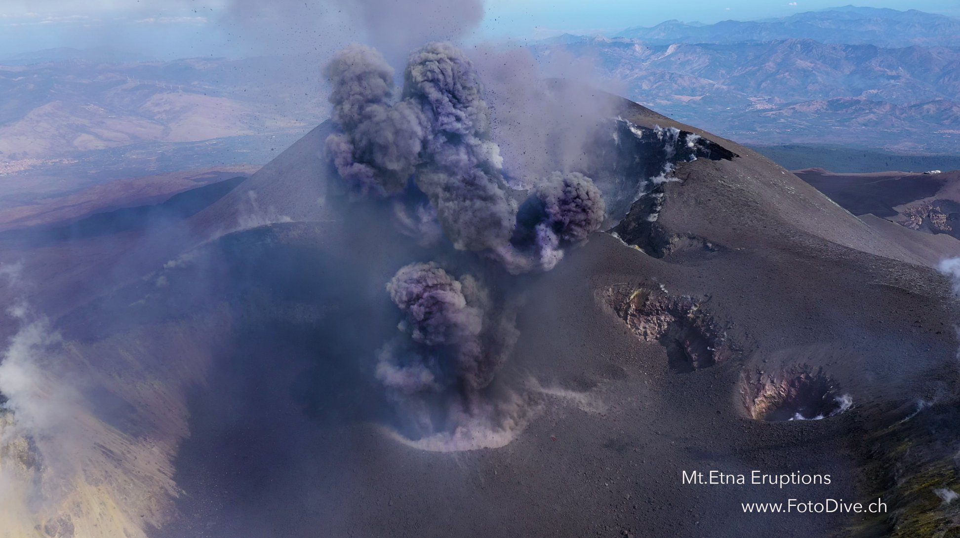 11 Octobre 2019. FR. Italie / Sicile : Etna , Hawaii : Mauna Loa , Colombie : Nevado del Ruiz , Mexique : Popocatepetl .