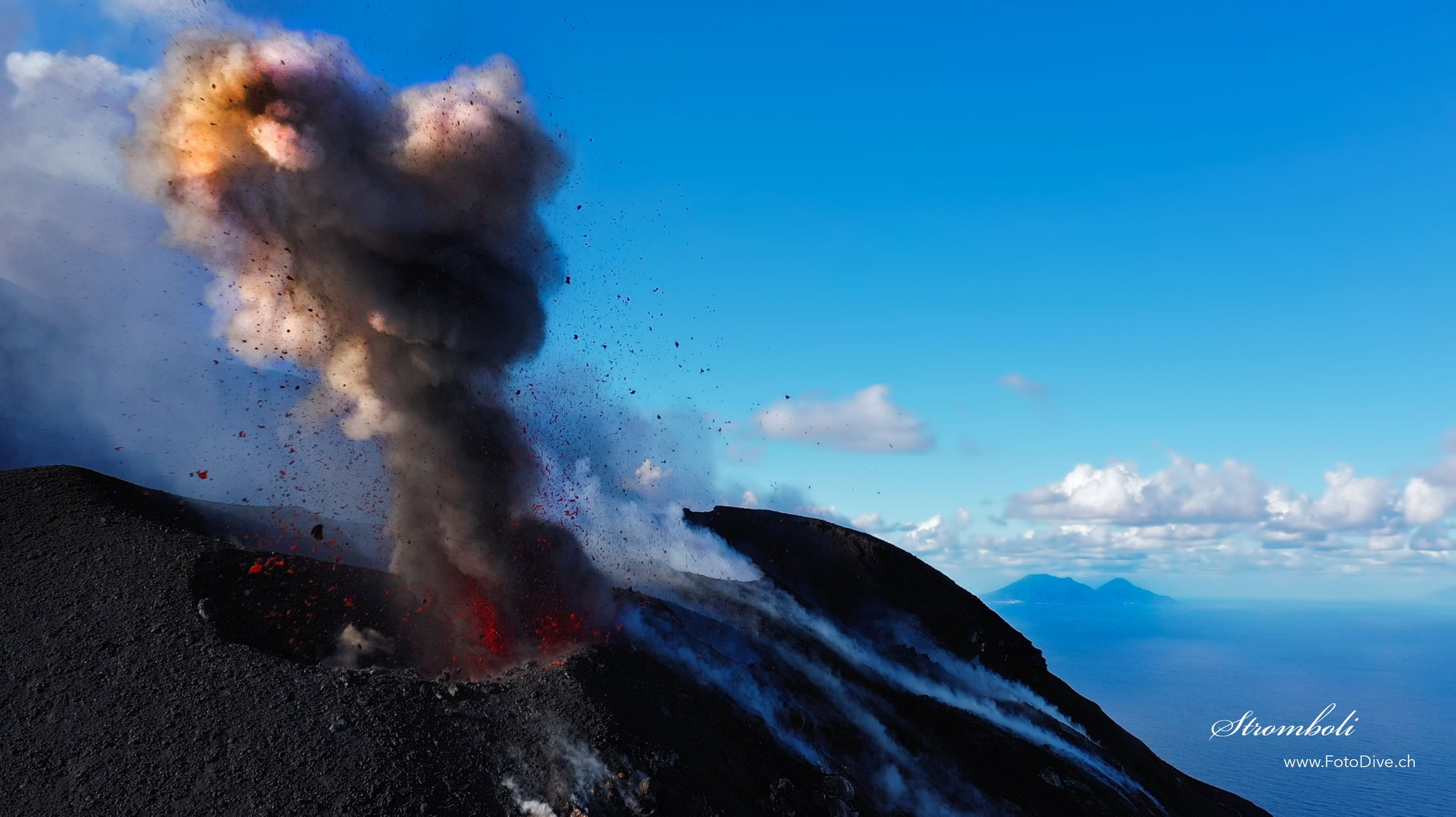 October 31, 2019 . EN . Italy : Stromboli , Chile : Nevados of Chillan , Mexico : Popocatepetl , Alaska : Semisopochnoi .