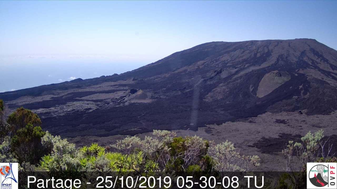 25 Octobre 2019. FR . La Réunion : Piton de la Fournaise , Alaska : Shishaldin , Pérou : Sabancaya , Italie / Sicile : Etna .