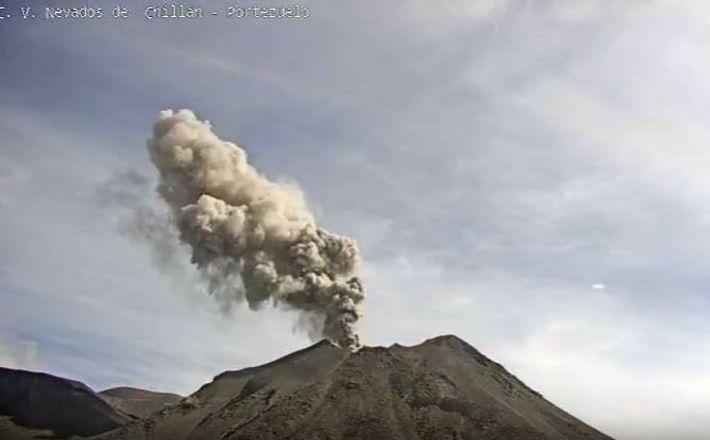 December 02, 2019. EN. Mexico : Colima , Chile : Nevados of Chillan, Italy / Sicily : Etna , La Guadeloupe : La Soufrière .
