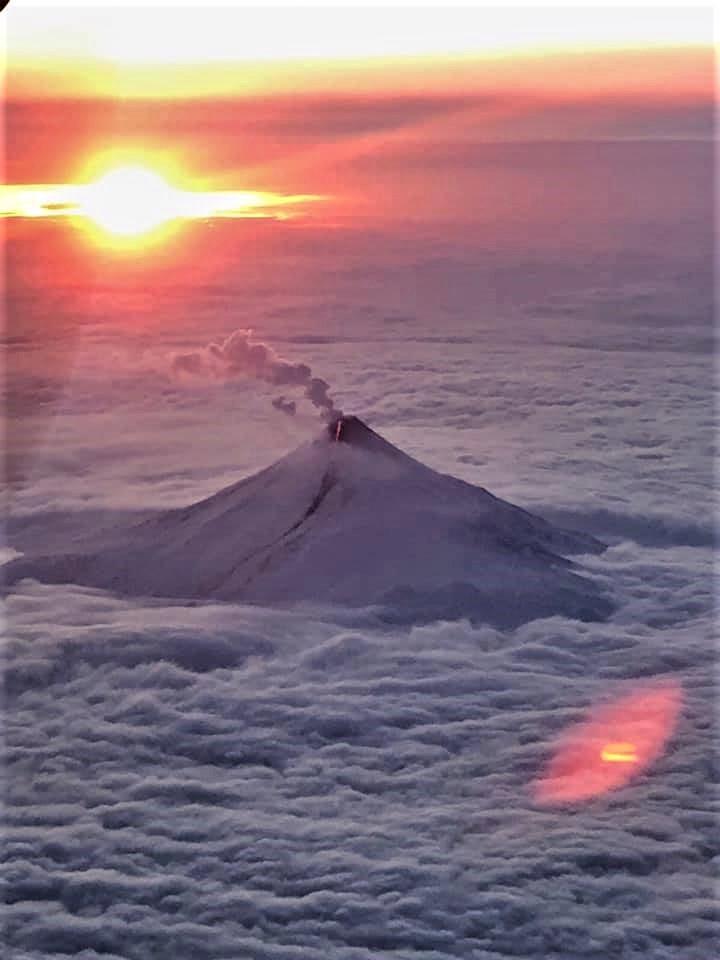 December 21, 2019. EN . Alaska : Shishaldin , United States : Mount Rainier , Kamchatka : Bezymianny , Italy : Ischia .
