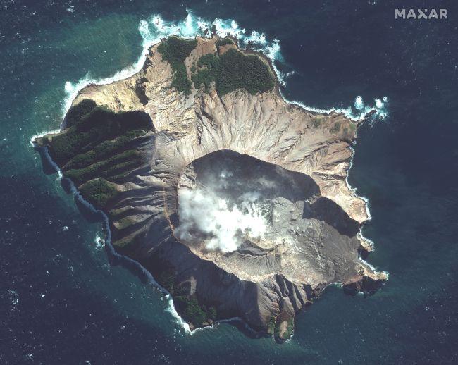 February 04 , 2020. EN . Iceland : Thorbjorn , Italy : Stromboli , Philippines : Taal , New Zealand : White Island , Peru : Sabancaya , Kamchatka : Klyuchevskoy .