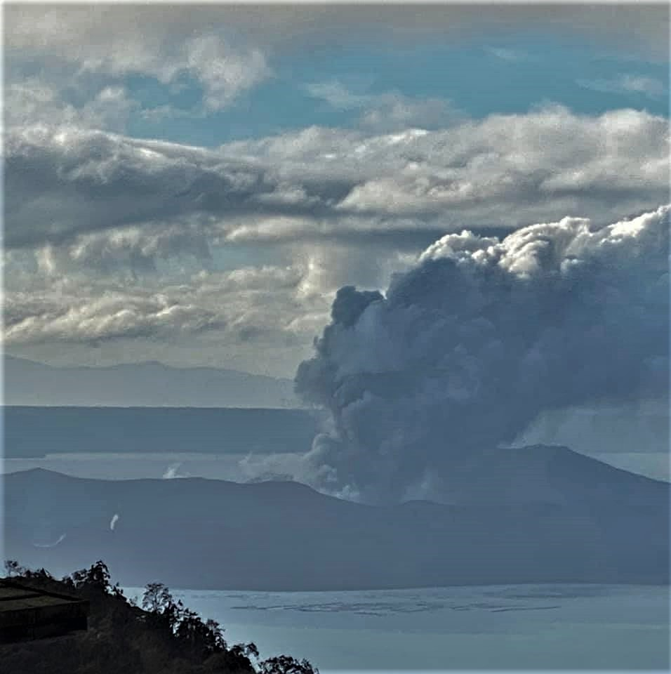 January 15, 2020. EN . Philippines : Taal , Italy / Sicily : Etna , Peru : Ubinas , New Zealand : White Island , Indonesia : Anak Krakatau .