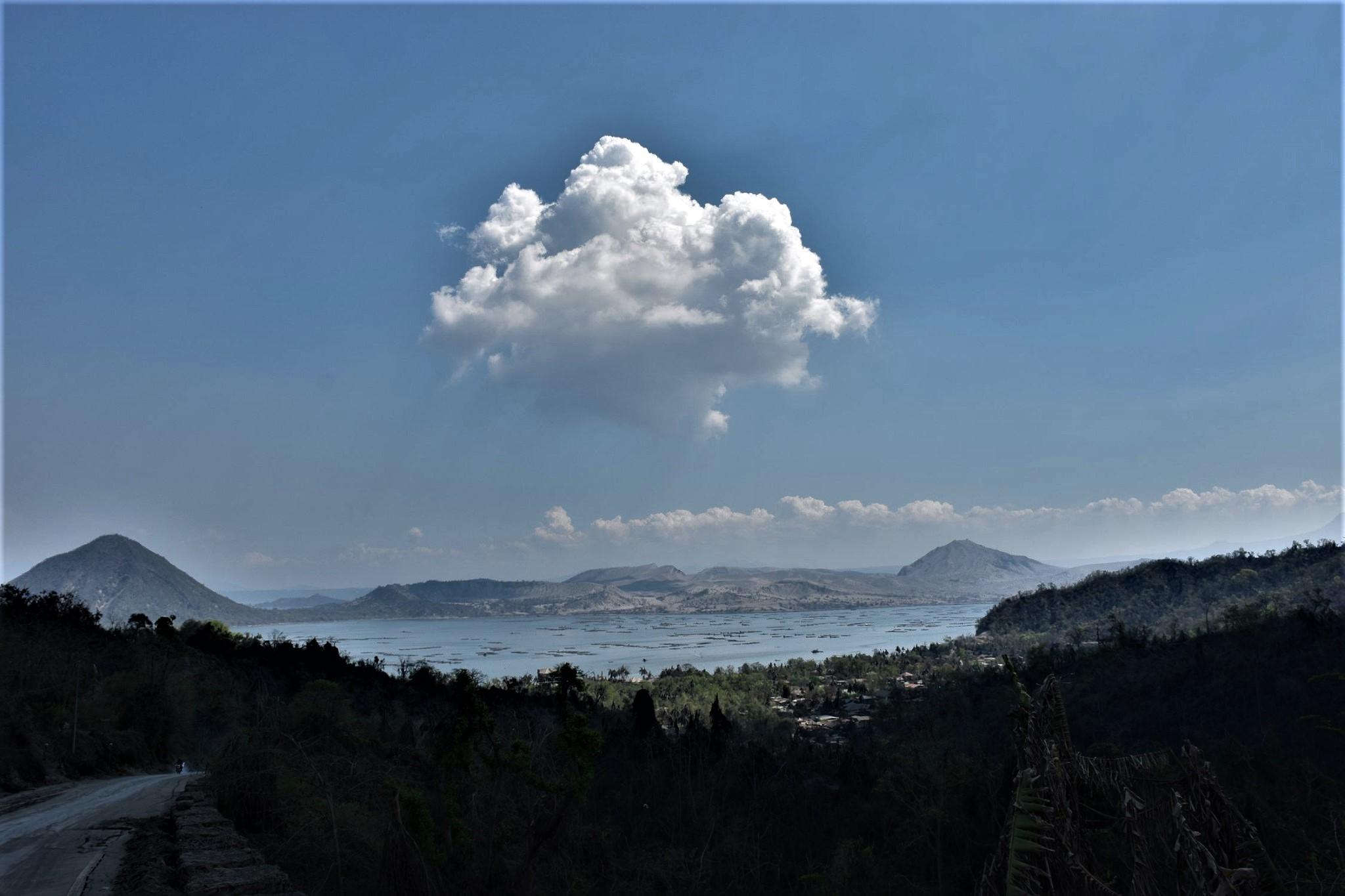 February 09 ,2020. EN . Kamchatka : Klyuchevskoy , Philippines : Taal / Mayon , Indonesia : Anak Krakatau , Ecuador : Sangay , Costa Rica : Poas / Rincon de la Vieja .