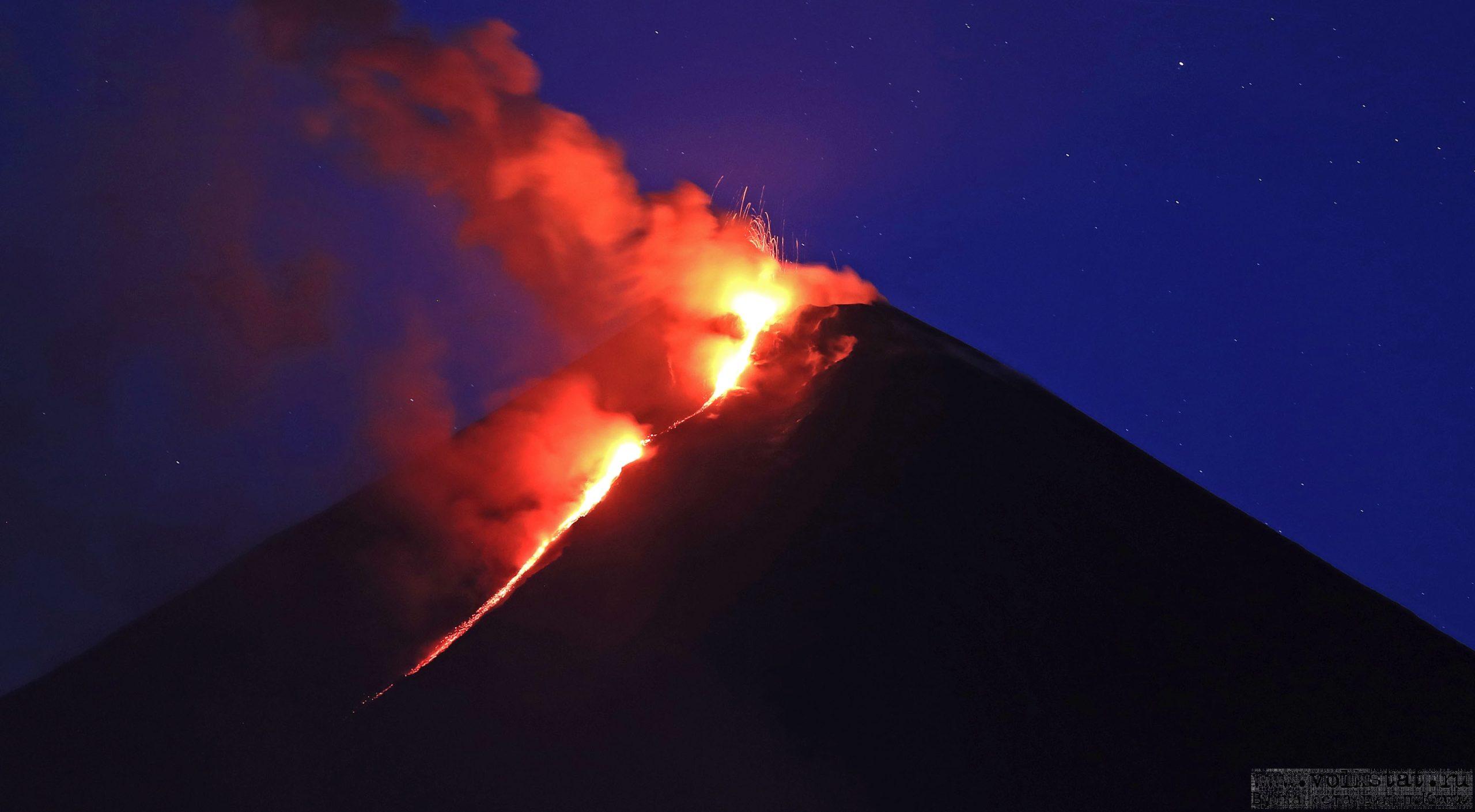 April 27, 2020. EN. Italy : Campi Flegrei , Kamchatka : Klyuchevskoy , Indonesia : Anak Krakatau , Costa Rica : Rincon de la Vieja , Alaska : Cleveland .