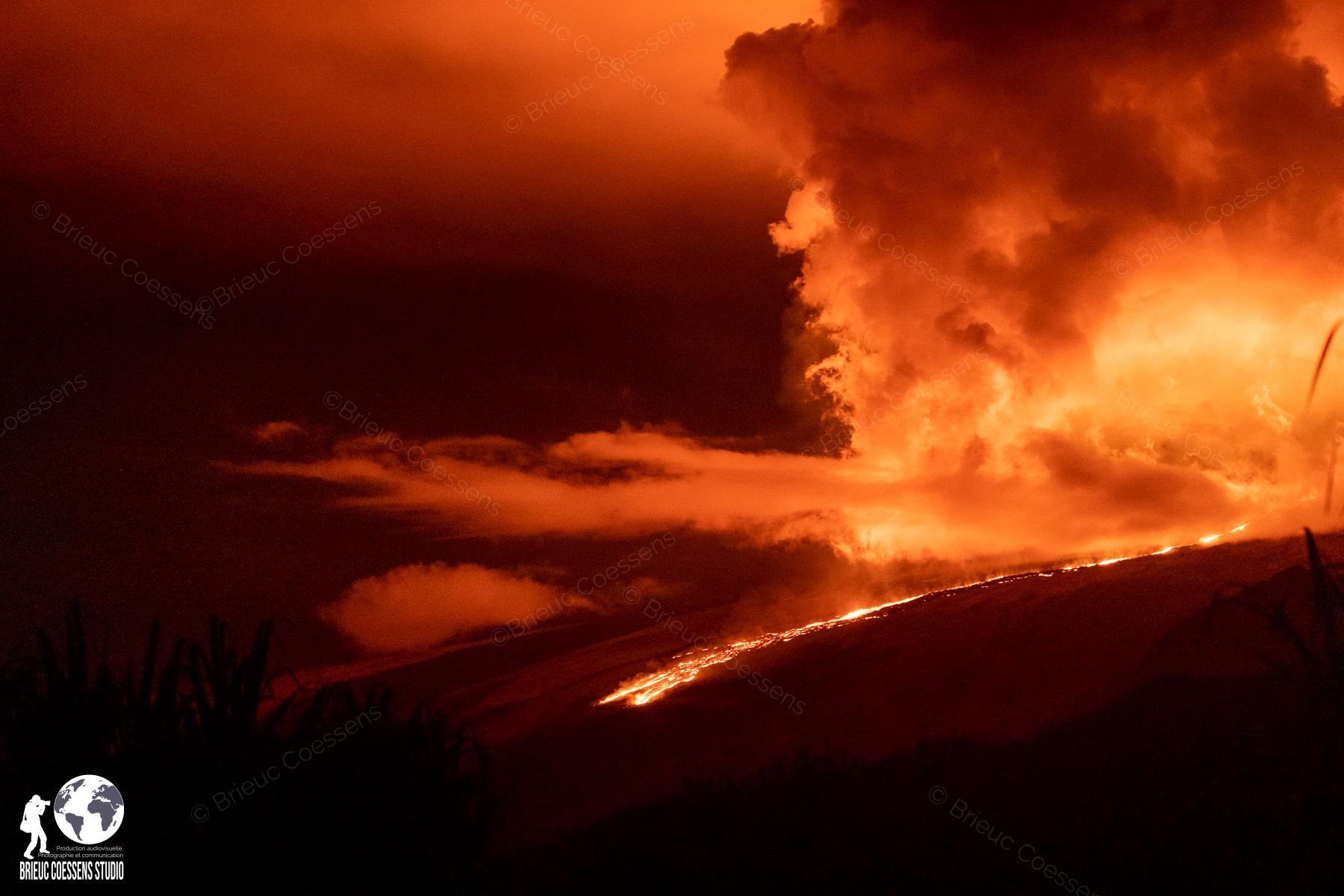 04 Avril 2020. FR . La Reunion : Piton de la Fournaise , Hawaii : Kilauea , Equateur / Galapagos : Sierra Negra , Chili : Chaiten .