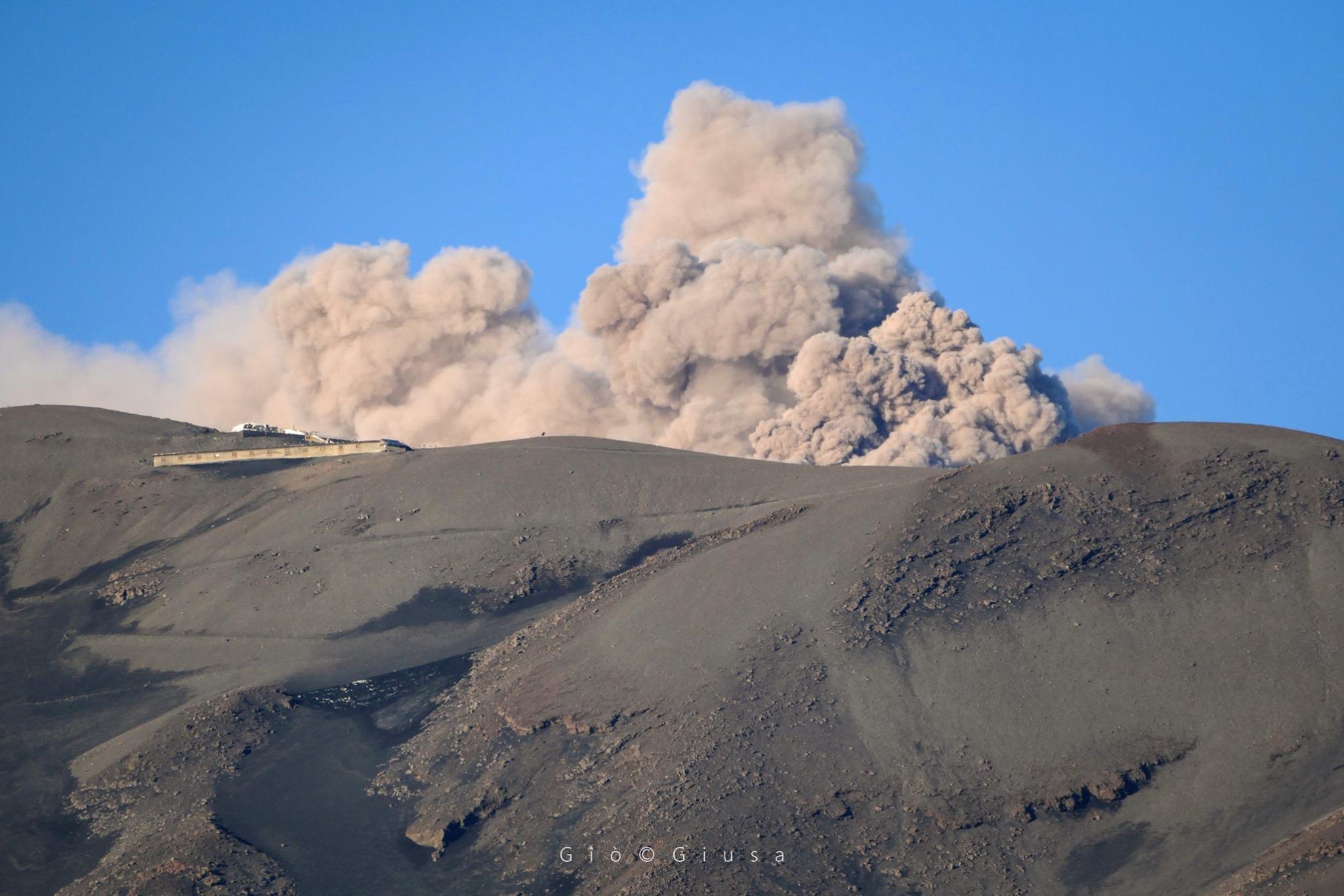 May 27, 2020. EN . Peru : Ubinas , Italy / Sicily : Etna , Colombia : Chiles / Cerro Negro , Guatemala : Fuego .