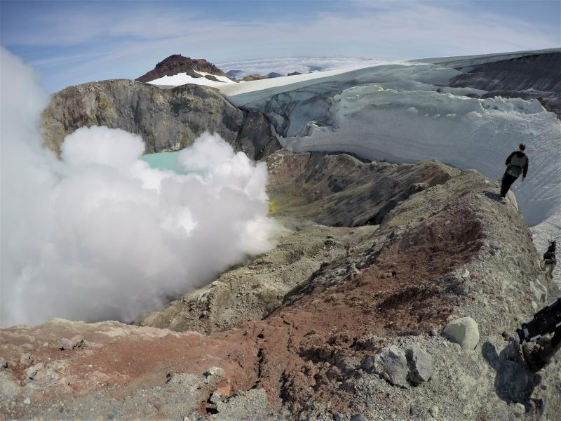June 29, 2020. EN . Alaska : Makushin , Kamchatka : Sheveluch , Philippines : Kanlaon , Indonesia : Dukono , Ecuador : Sangay .