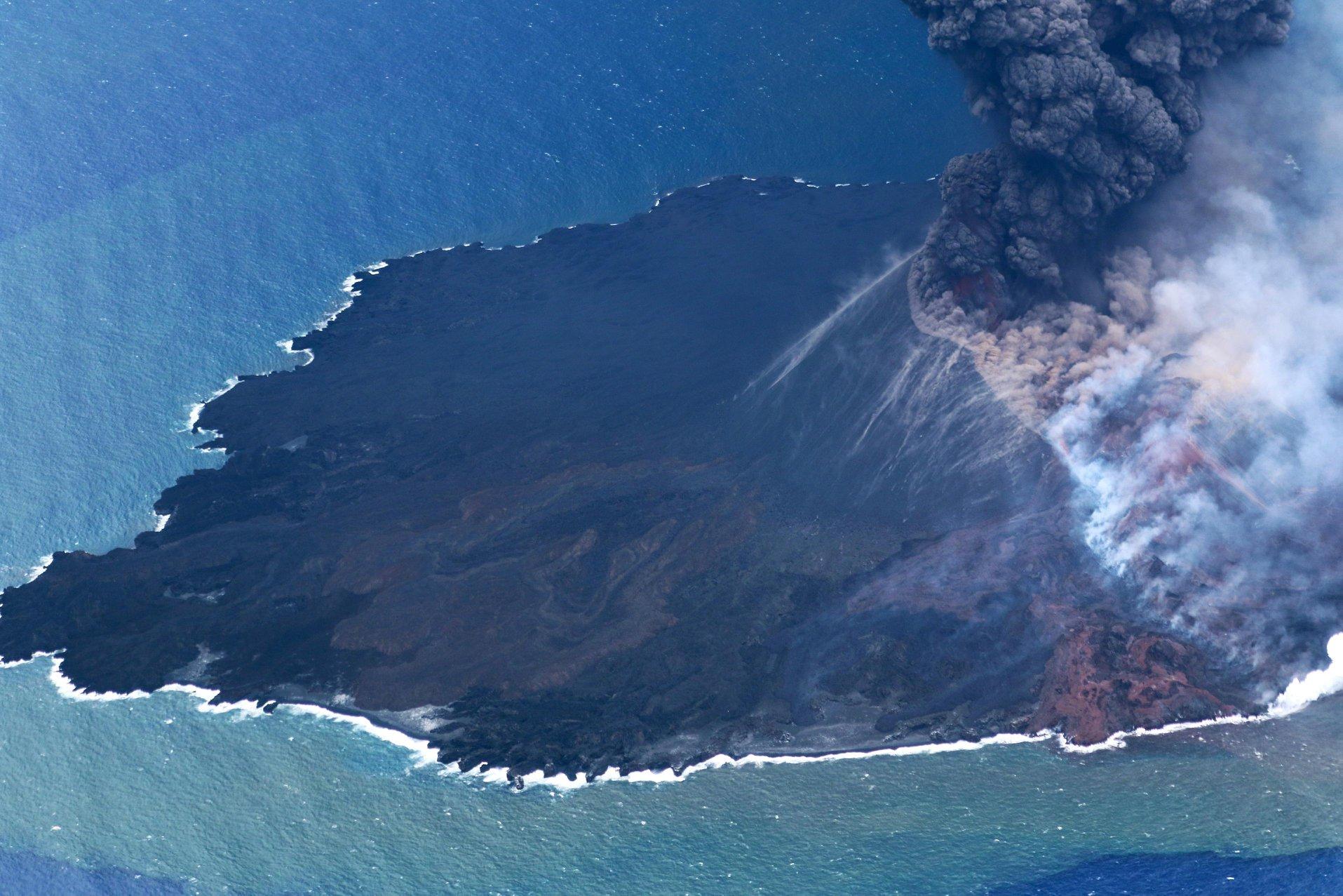 July 01 , 2020. EN. Italy / Sicily : Etna , Japan : Nishinoshima , Alaska : Makushin , Colombia : Cumbal .