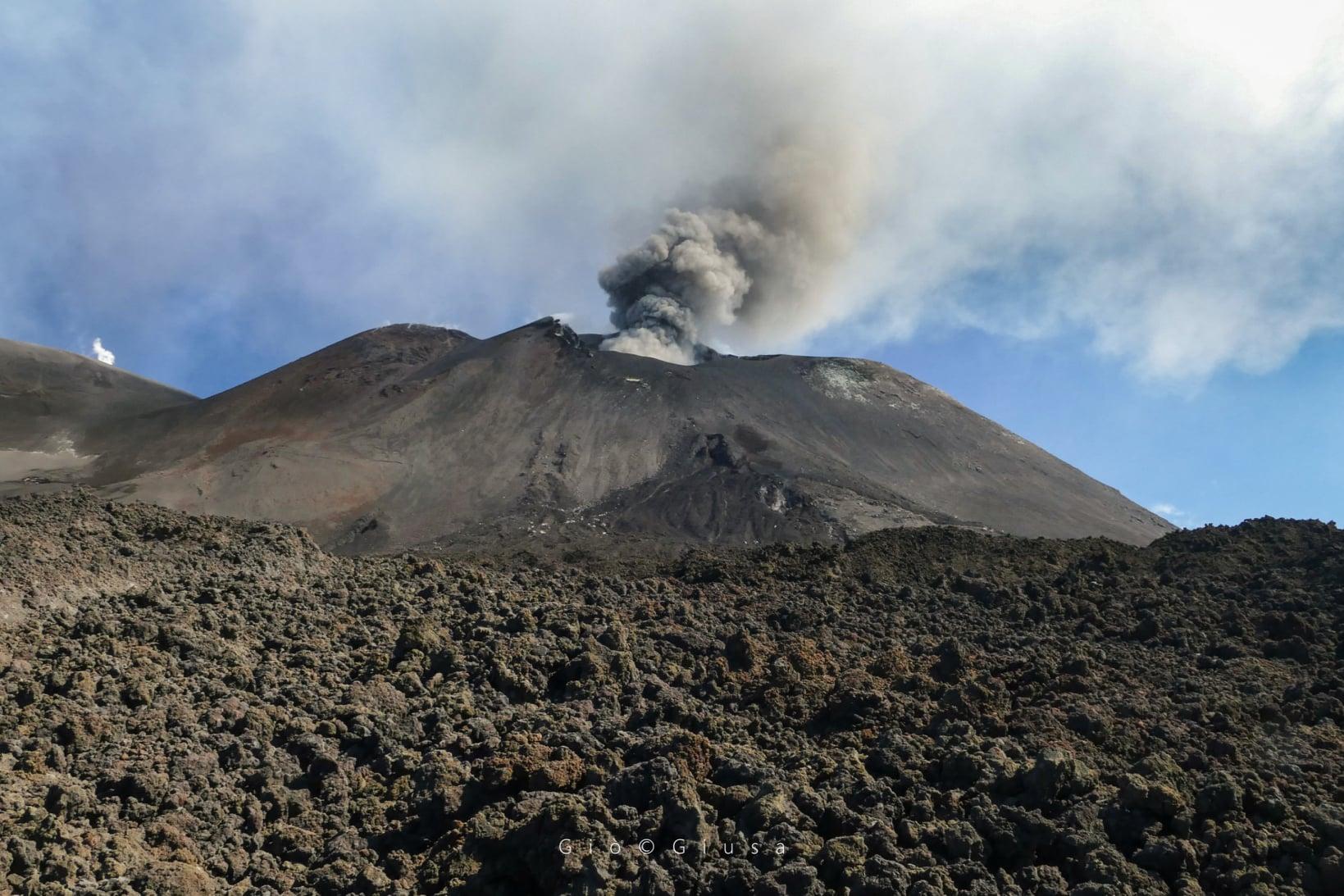 26 Aout 2020. FR . Italie / Sicile : Etna , Italie : Stromboli , Islande : Péninsule de Reykjanes , Colombie : Nevado del Ruiz .