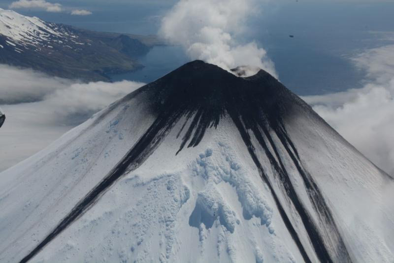September 03, 2020. EN . Alaska : Cleveland , Colombia : Nevado del Ruiz , Hawaii : Mauna Loa , Japan : Suwanosejima .