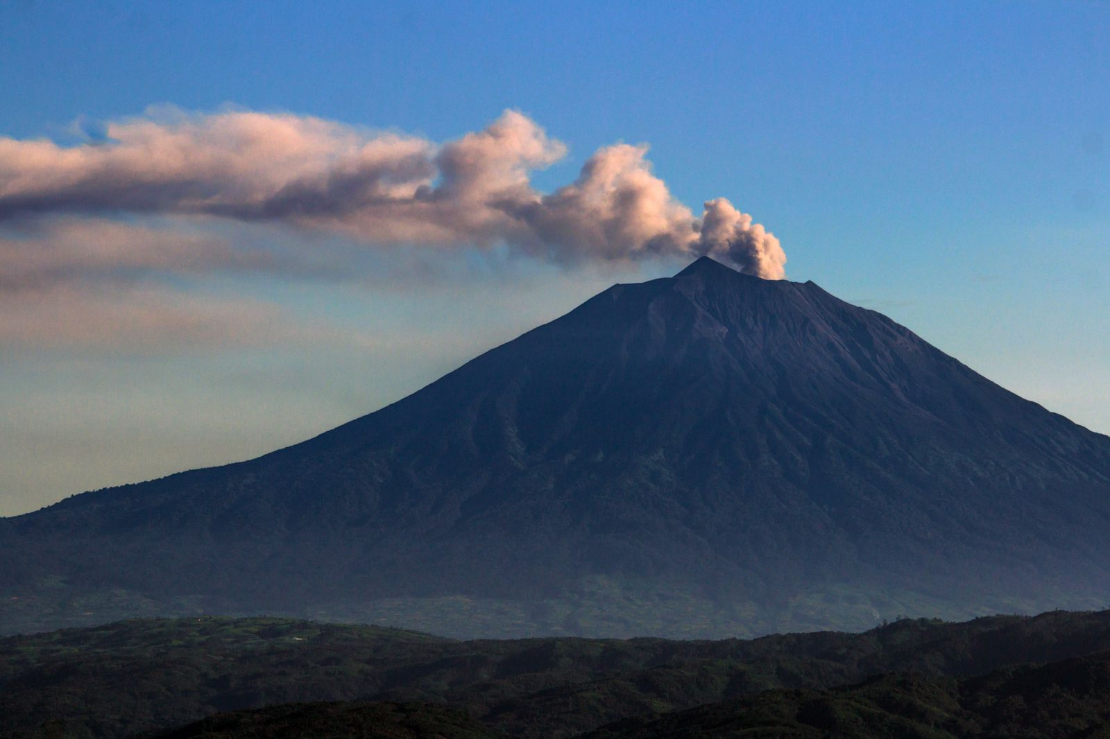 August 09 , 2020 . EN . Indonesia : Kerinci , Chile : Nevados of Chillan , Colombia : Nevado del Ruiz , Mexico : Popocatepetl .