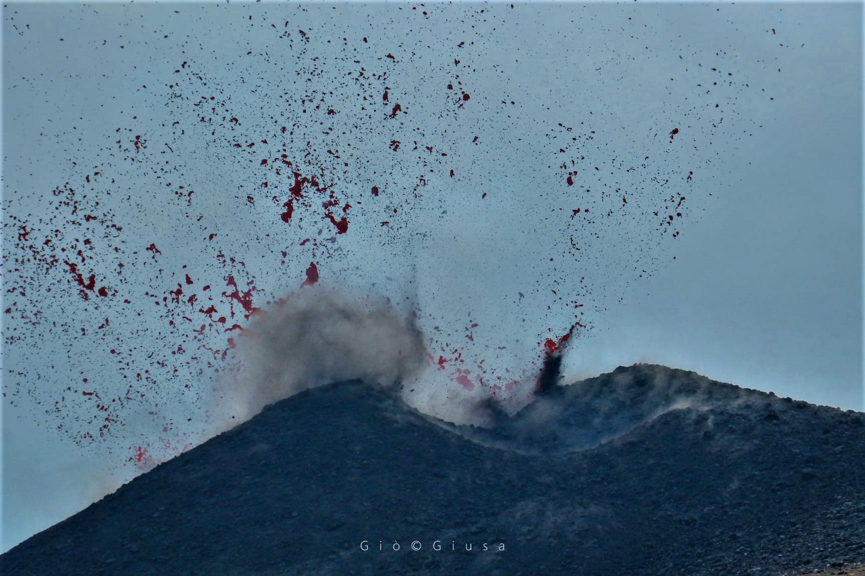 September 26, 2020. EN . Italy / Sicily : Etna , Chile : Villarica , Indonesia : Semeru , Philippines : Taal , Iceland : Seismicity .