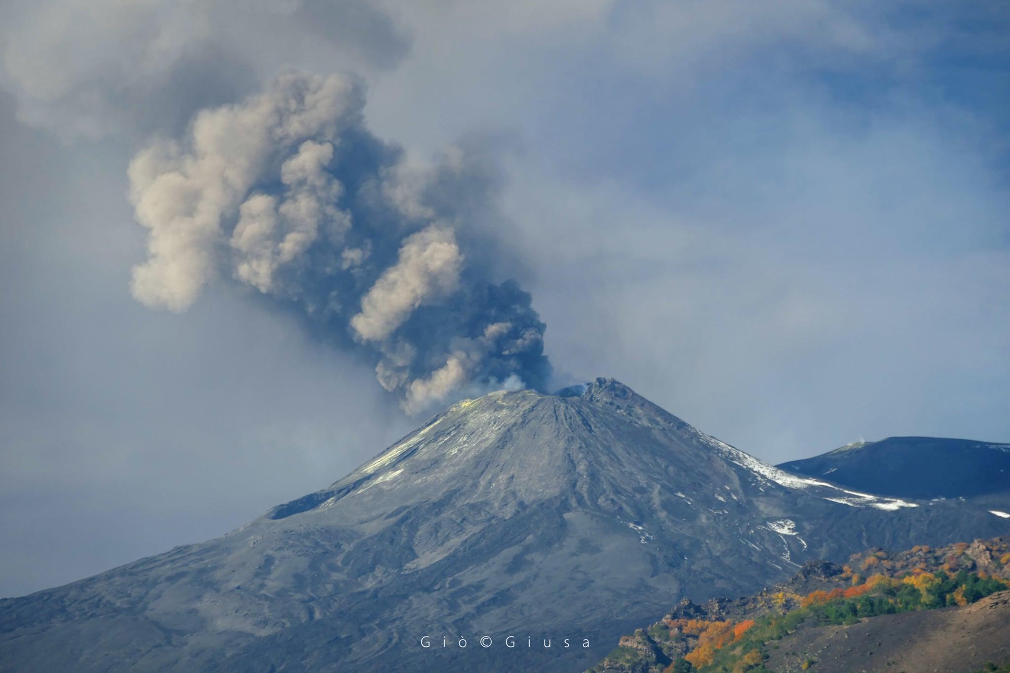 04 Novembre 2020. FR . Italie : Stromboli , Italie / Sicile : Etna , Colombie : Nevado del Ruiz , Islande : Péninsule de Reykjanes .