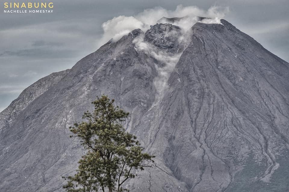 18 Novembre 2020. FR . Indonésie : Sinabung , Italie / Sicile : Etna , Italie : Stromboli , Mexique : Popocatepetl .