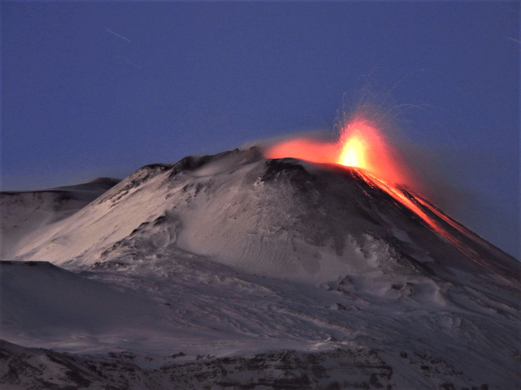 December 10, 2020. EN . Italy / Sicily : Etna , Italy : Stromboli , Japan : Sakurajima , Kamchatka : Karymsky , El Salvador : Santa Ana .