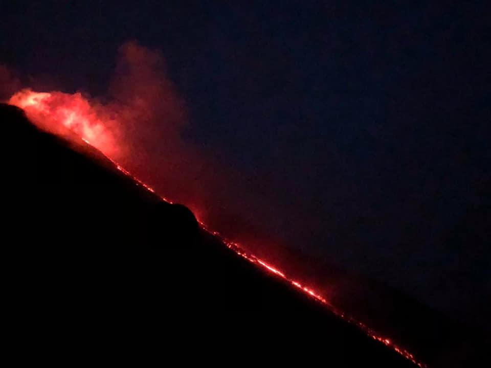 24 Janvier 2021. FR . Italie : Stromboli , Indonésie : Raung , La Martinique : Montagne Pelée , Chili : Villarica , Hawaii : Kilauea .