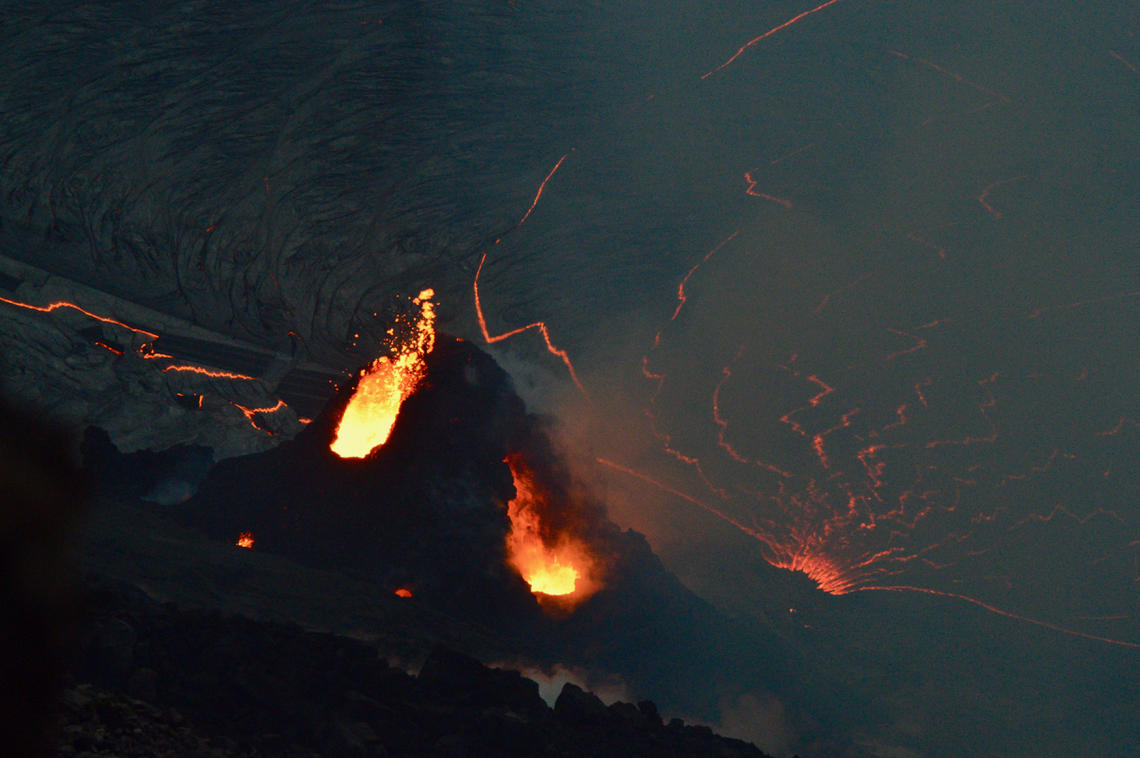 January 02, 2021. EN . Hawaii : Kilauea , Kamchatka : Klyuchevskoy , Saint Vincent and the Grenadines : Soufrière Saint Vincent , Chile : Nevados of Chillan , Guatemala : Pacaya .
