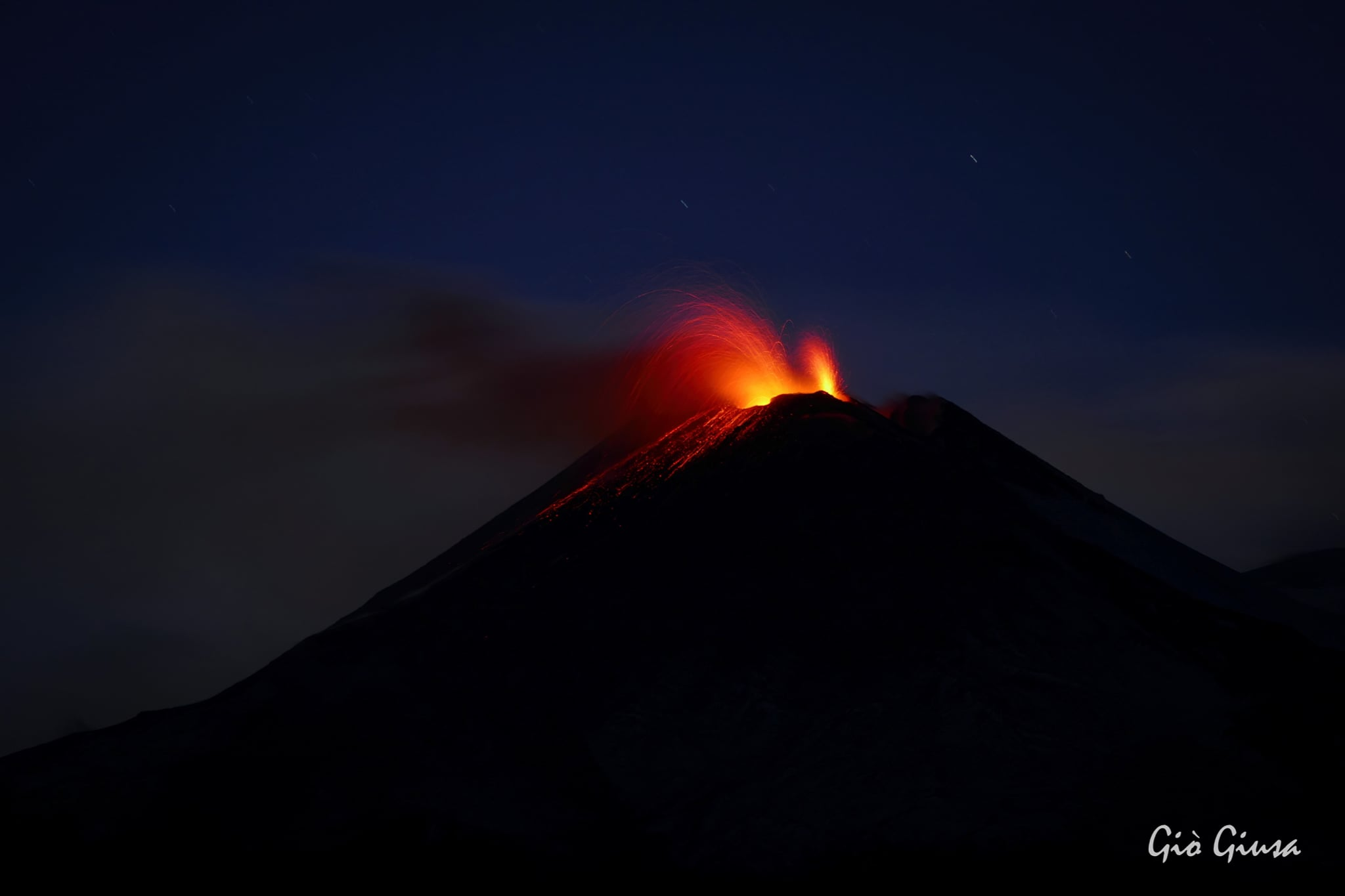 03 February 2021. EN. Italy / Sicily : Etna , Italy : Stromboli , New Zealand : White Island , Hawaii : Kilauea .