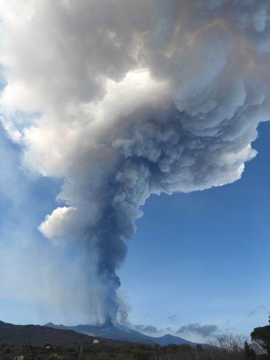 February 20, 2021. EN . Italy / Sicily : Etna , Indonesia : Merapi , Hawaii : Kilauea , Guatemala : Pacaya .