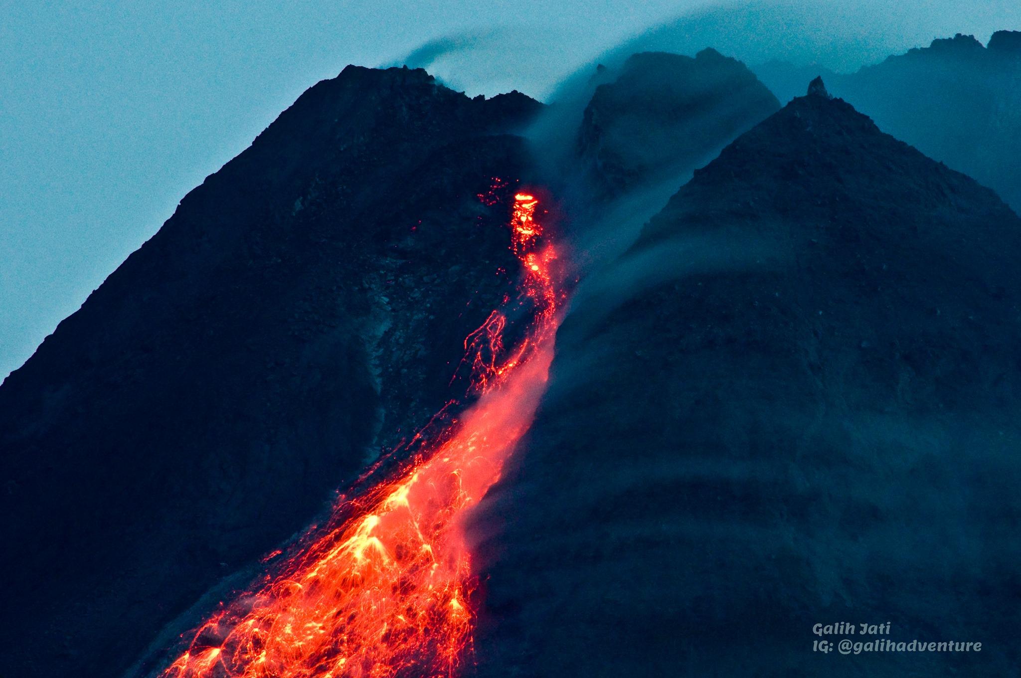 March 27, 2021. EN . Alaska : Veniaminof , Indonesia : Merapi , Saint Vincent : Soufrière Saint Vincent , Hawaii : Mauna Loa .