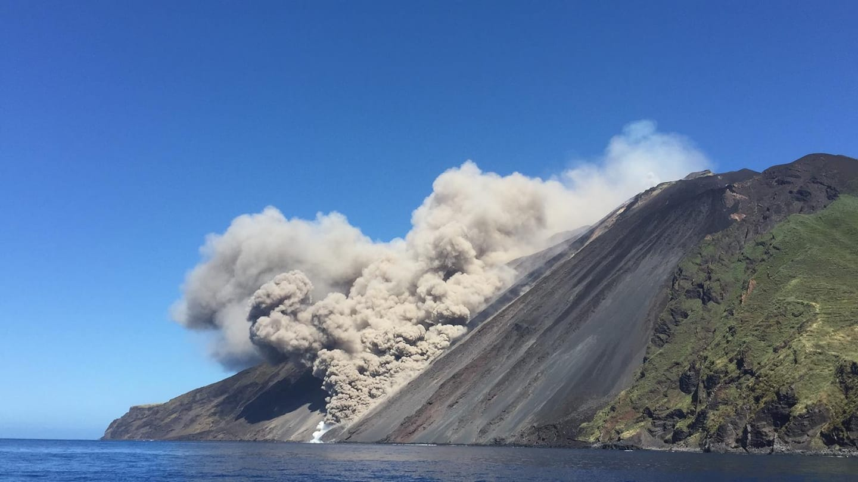 May 20, 2021. EN . Italy : Stromboli , La Réunion Island : Piton de la Fournaise , Iceland : Geldingadalur , Chile : Laguna del Maule , Guatemala : Pacaya , Colombia : Nevado de Santa Isabel .