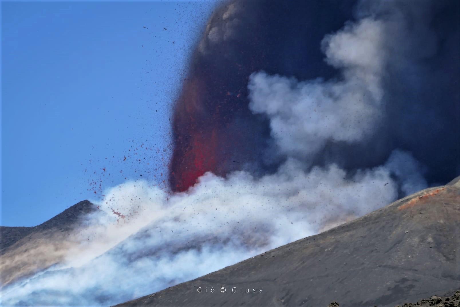 30 Mai 2021. FR. République Démocratique du Congo : Nyiragongo , Alaska : Great Sitkin , Saint Vincent : Soufrière Saint Vincent , Italie / Sicile : Etna , Chili : Nevados de Chillan .