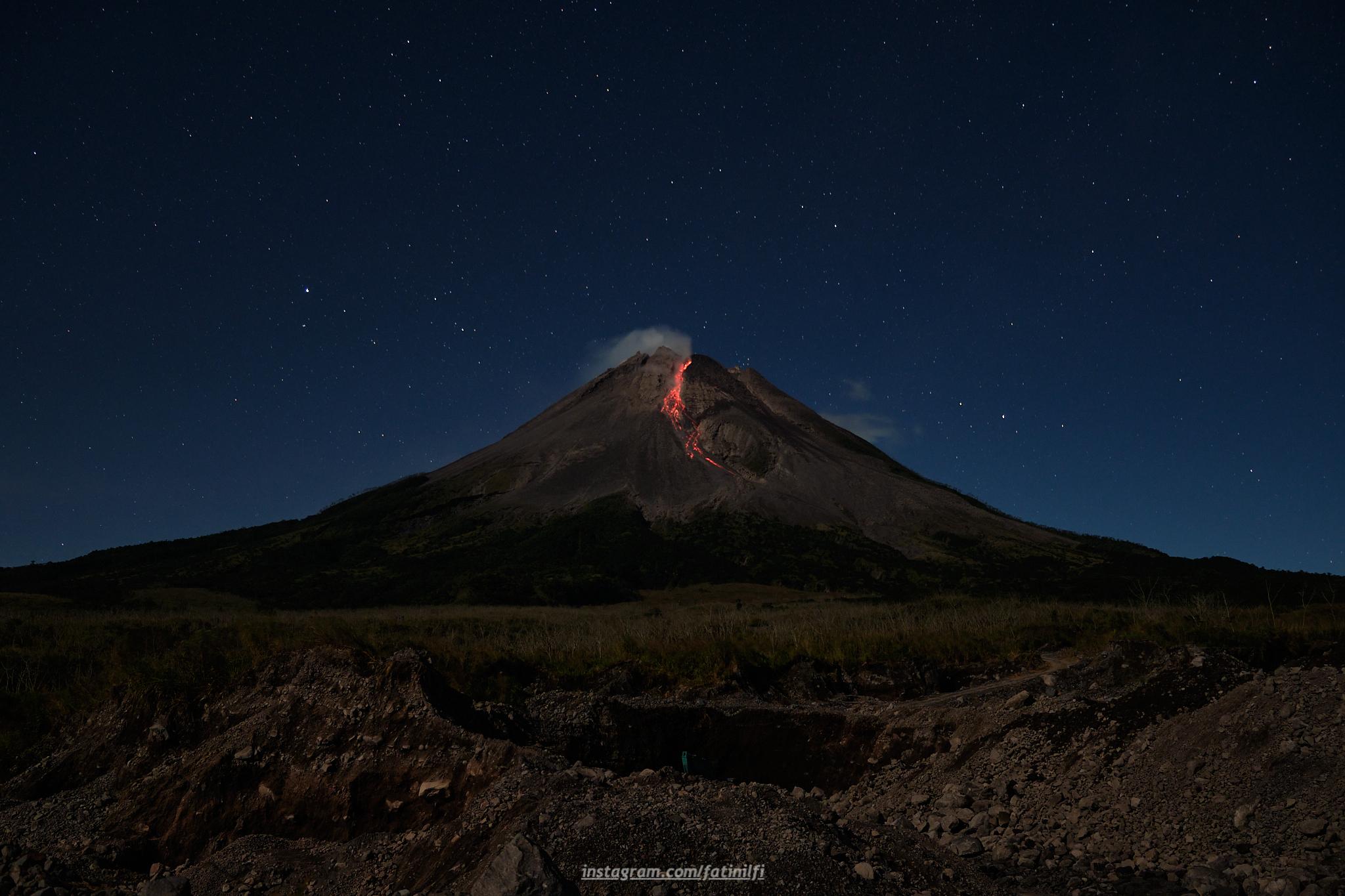 July 17, 2021. EN. Philippines : Taal , Indonesia : Merapi , Chile : Nevados de Chillan , Martinique : Montagne Pelée , Iceland : Geldingadalur / Fagradalsfjall .