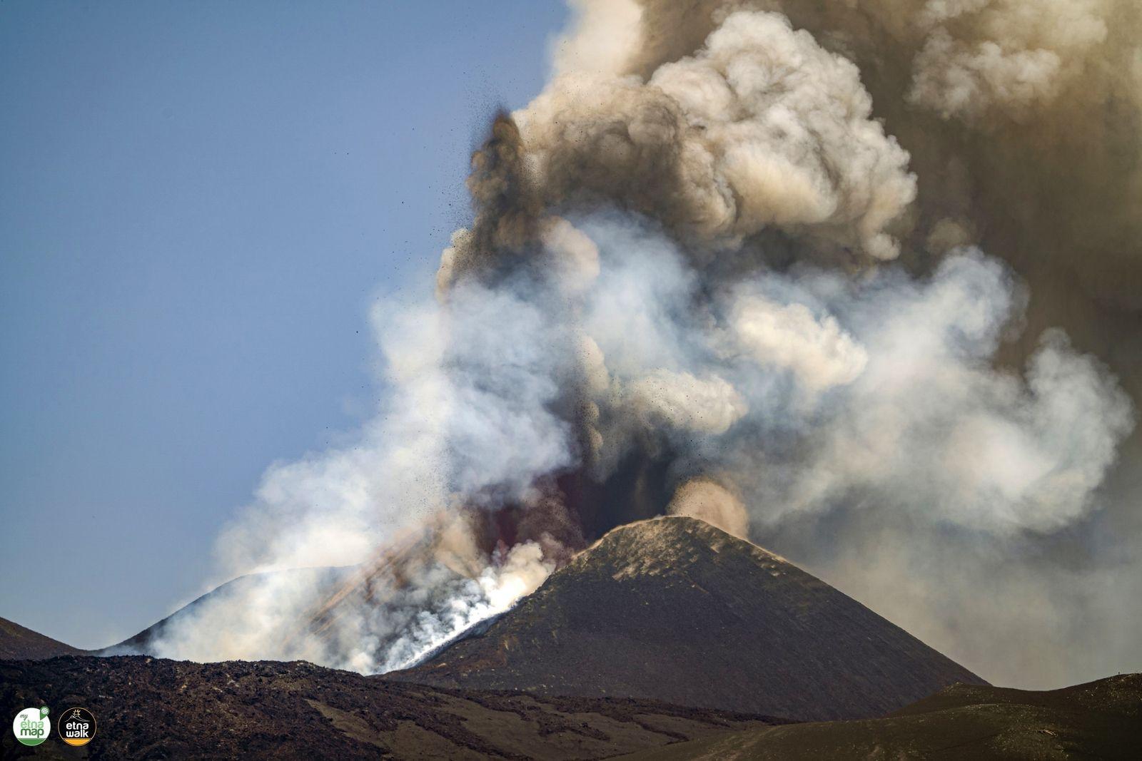 16 Juillet 2021. FR . Italie / Sicile : Etna , Italie : Stromboli , Kamchatka : Karymsky , Nouvelle Zélande : White Island , Indonésie : Sinabung .