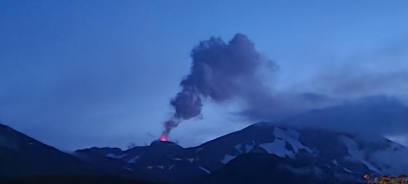 August 09 , 2021. EN. Alaska : Great Sitkin , Alaska : Semisopochnoi , Indonesia : Dieng Plateau , Iceland : Geldingadalur / Fagradalsfjall , New Zealand : White Island , Chile : Nevados de Chillan .