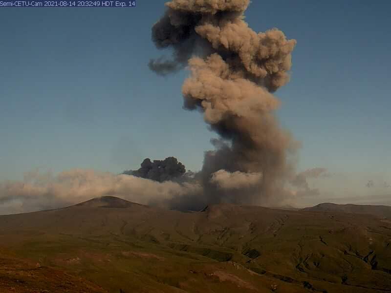 10 Septembre 2021. FR. Islande : Askja / Rivière Skafta , Alaska : Semisopochnoi , Iles Kouriles du Nord : Ebeko , Indonésie : Merapi , Chili : Cerro Hudson .