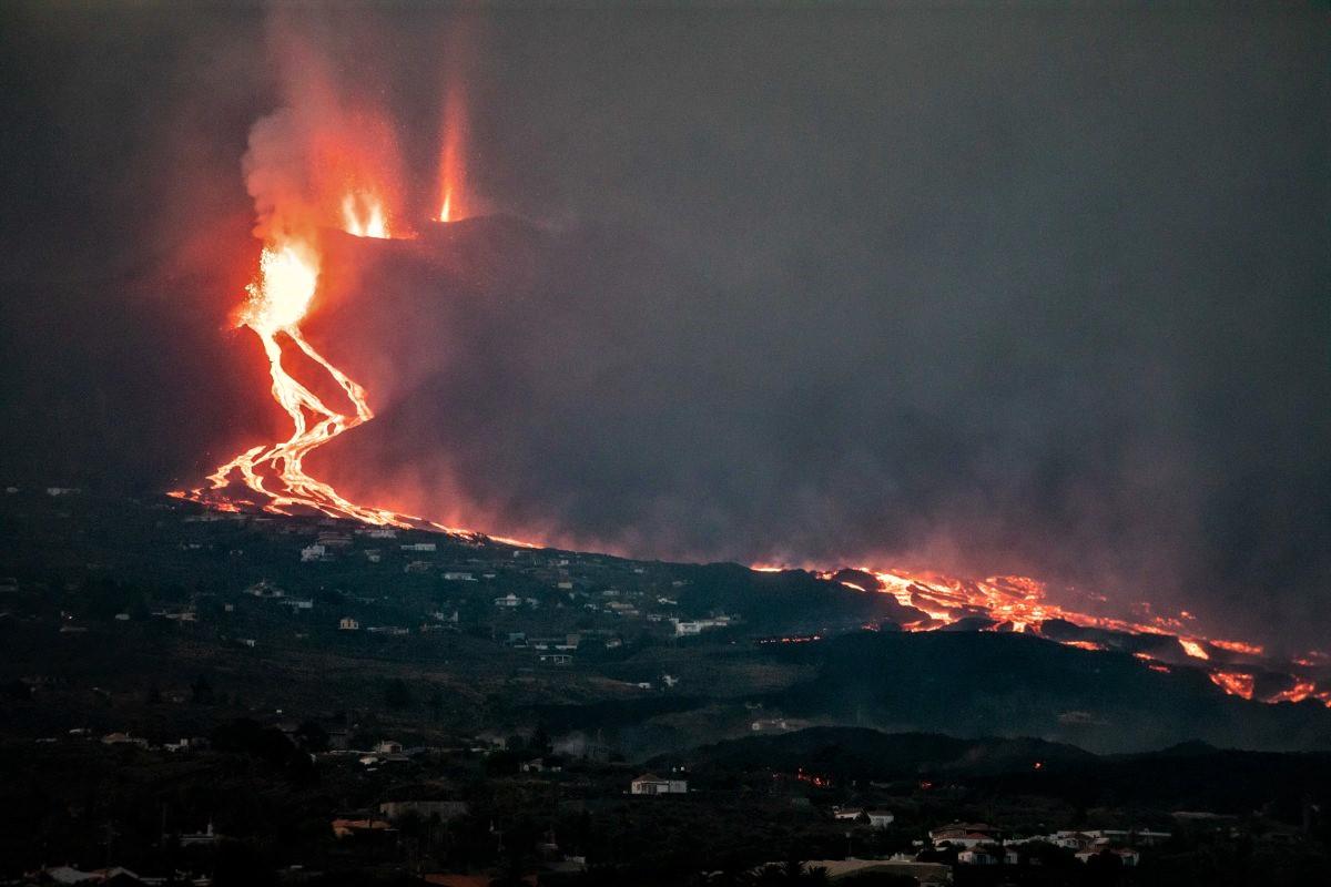 03 Octobre 2021. FR. Espagne / La Palma : Cumbre Vieja , Etats-Unis : Yellowstone , Hawaii : Kilauea , Islande : Péninsule de Reykjanes , Mexique : Popocatepetl .