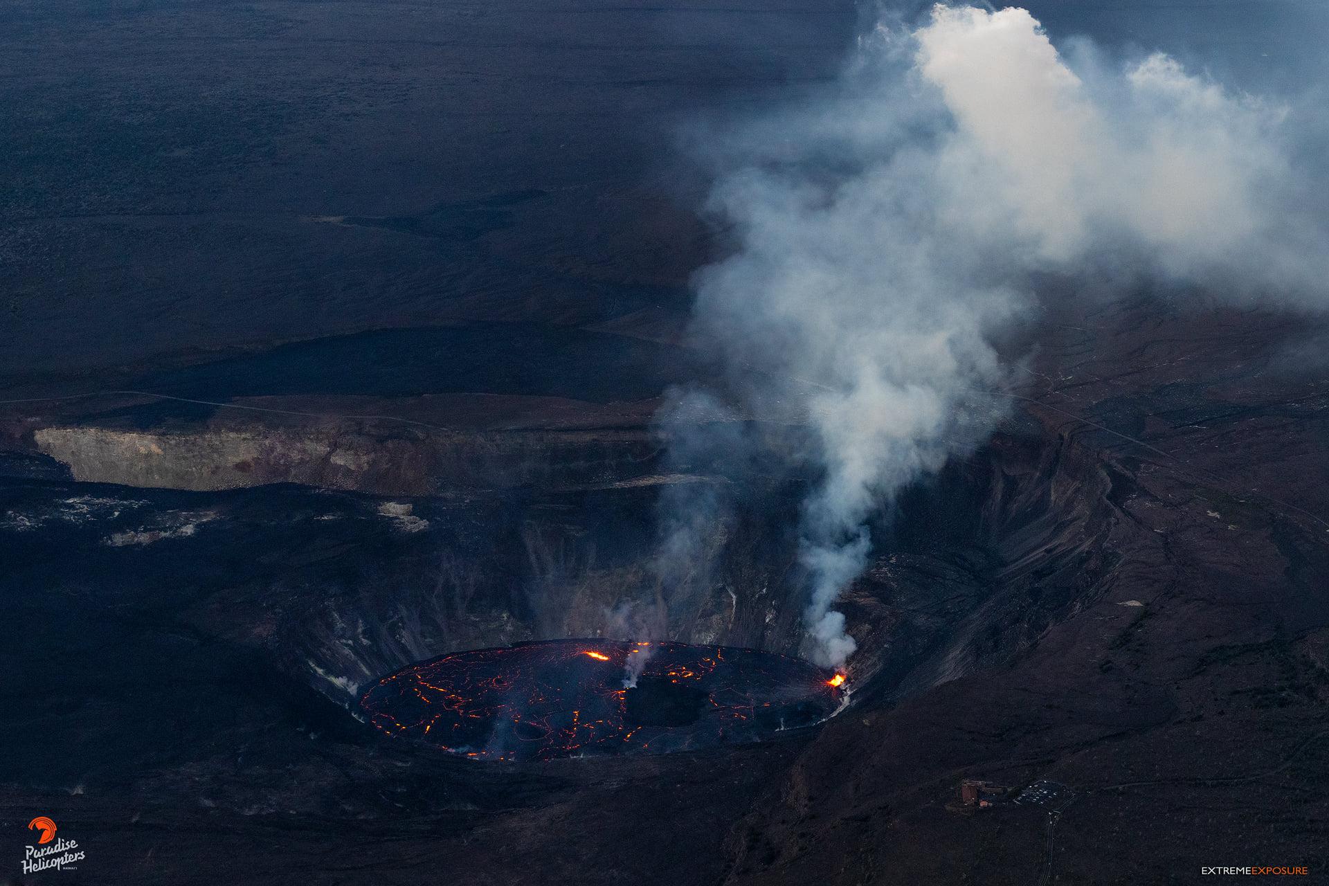 04 Octobre 2021. FR . Espagne / La Palma : Cumbre Vieja , Hawaii : Kilauea , Alaska : Great Sitkin , Equateur : Reventador , Guatemala : Santiaguito .