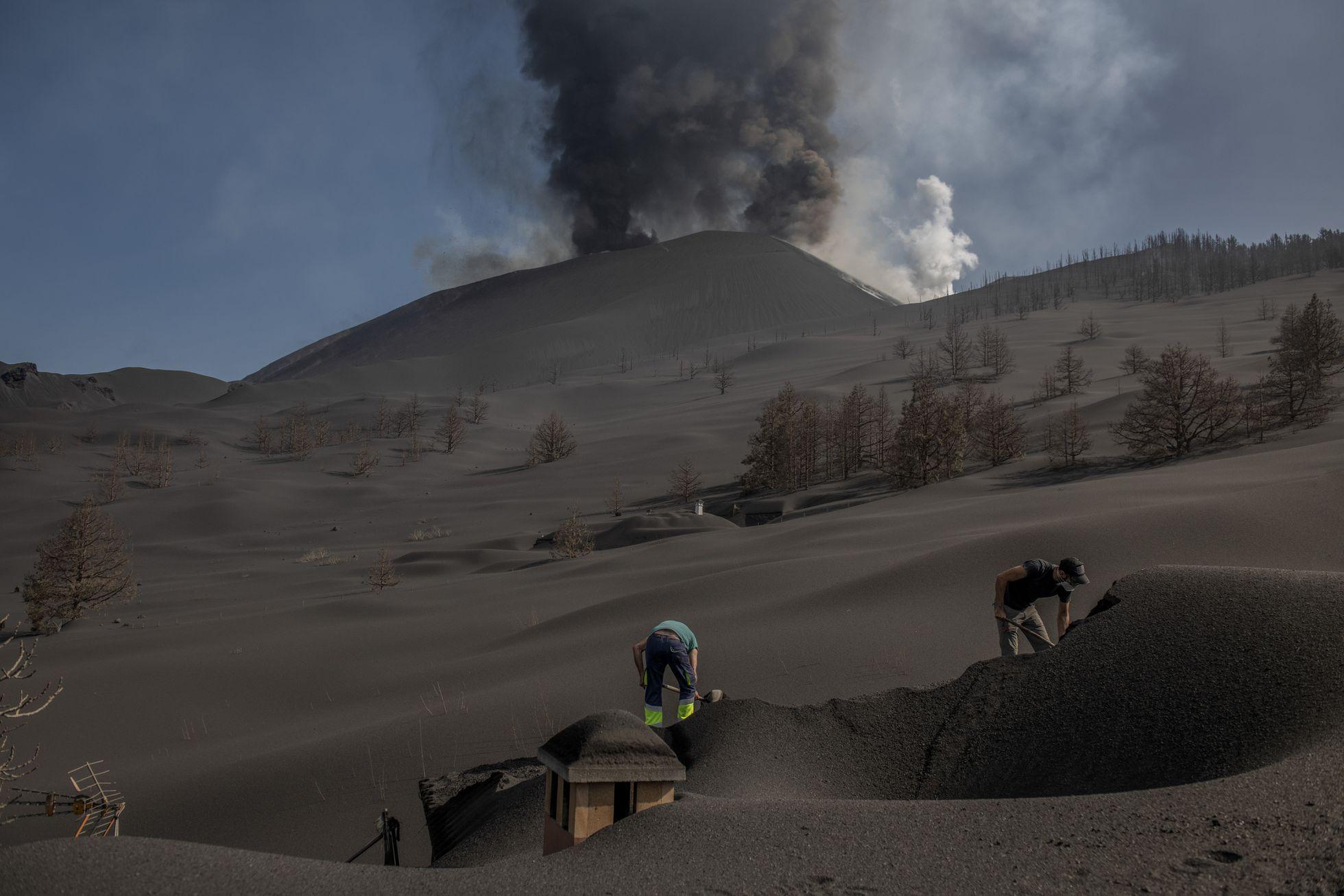 October 16, 2021. EN. Spain / La Palma : Cumbre Vieja , Indonesia : Merapi , Costa Rica : Turrialba / Poas / Rincon de la Vieja , Alaska : Great Sitkin , Guatemala : Fuego .